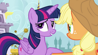Applejack helping Twilight S4E1