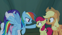 Rainbow Dash booping Apple Bloom's nose S7E16