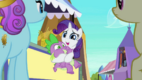 Rarity holds Spike S3E2