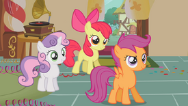 Sweetie Belle, Scootaloo e Apple Bloom sorrindo T01E12