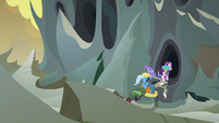 Trixie and Starlight using Discord as a bridge S6E25