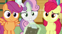Cutie Mark Crusaders smiling at Kettle Corn amused S7E21