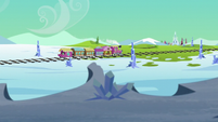 Friendship Express chugs toward Crystal Empire S6E1