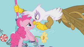 Gilda ameaçando Pinkie T01E01