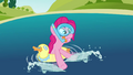 Pinkie Pie 'The water's great' S3E3.png