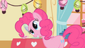 Pinkie Pie twistes her head S1E25.png