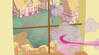 Pinkie runs off S5E11