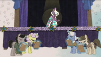 Rarity's fashions being harshly judged RPBB3