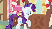 Rarity defend sister S2E23