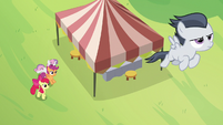 Rumble flies away from Cutie Mark Day Camp S7E21