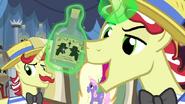 S04E20 Flim lewituje butelkę