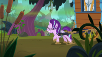 Starlight drags Hoo'Far's wagon through the swamp S8E19