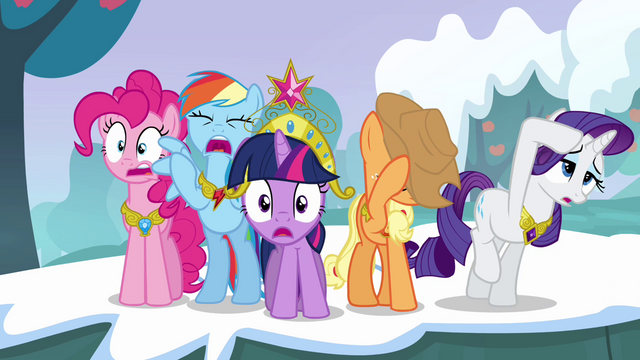 Файл:Twilight and her friends can't believe what they're seeing S03E10.png