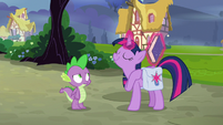Twilight looking proud of herself S9E16