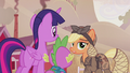 Applejack doesn't know who Twilight is S5E25.png