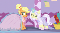 Applejack modeling a dress for Lily Lace S7E9