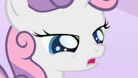 Blue sparkle on Sweetie Belle's eyes S2E05