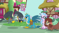 Gabby asks Gallus to take her and Spike's picture S9E19