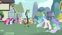 Main cast, Celestia, and Discord group shot S03E10