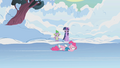 Pinkie Pie skating S1E11.png