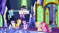 Ponies stunned by Discord's way of leaving S9E1