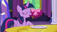 """Twilight """"without using magic..."""" S06E06"""