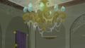 A webbed chandelier S6E9.png