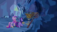 Cadance and Twilight with minecart S2E26