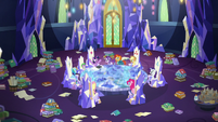 Mane Six and friends in the messy throne room S7E25