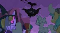 Princess Luna coming down S2E04