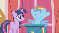 Rainbow Dash celebrates Apple Jack S1E04