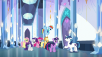 Shining Armor warning Twilight and friends S6E1