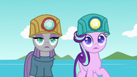 Starlight and Maud blinded by camera flash S7E4