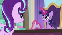 "Twilight Sparkle ""having a friend help out"" S9E20"