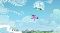 Twilight and Spike leave the portal S5E26