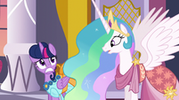Twilight giving Celestia a concerned look S5E7