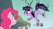 777px-Singed Twilight Sparkle with Pinkie onlooking S1E15