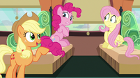 Applejack --already plannin' a parade-- S6E18