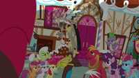 Discord covered in applesauce S9E23