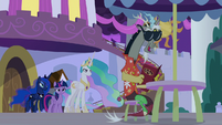 Discord in sunglasses and Hawaiian shirt S9E17