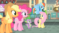 Fluttershy 'We've gotta help her find a cab, now!' S4E08.png