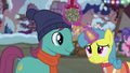 Lemon Hearts and Earth pony with mistletoe S06E08.png