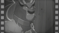 Manticore in Hoofdini's magic act S6E6