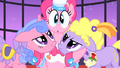 Pinkie Pie ends singing S01E26.png
