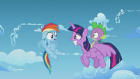 Rainbow Dash notices Twilight is an Alicorn S5E25