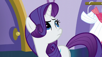 Rarity looking up at Sassy Saddles S5E14