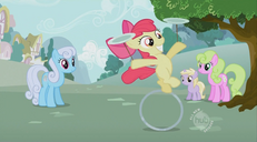 S02E06 Szalone wyczyny Apple Bloom na obręczy