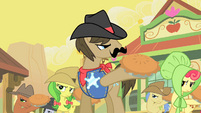 Sheriff Silverstar and ponies ready pies S1E21