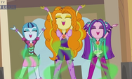 The Dazzlings cantando