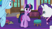 Twilight thanking Rainbow and Rarity S8E17